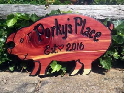 Personalized Pig Shaped Cedar Sign - Decorative Wooden Sign Design